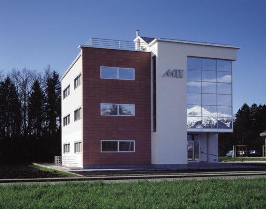 MIT informatika poslovna stavba