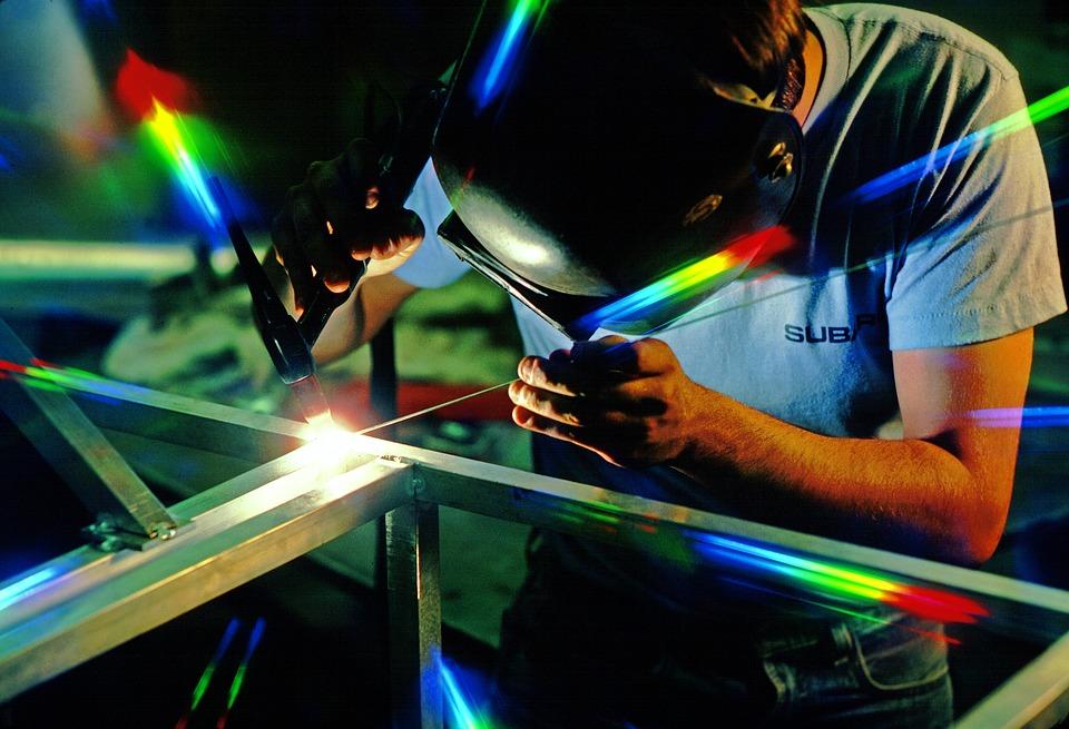 MIT informatika - poslovne rešitve za kovinarsko in strojno industrijo