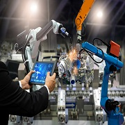 MIT informatika: urejeni poslovni in proizvodni procesi