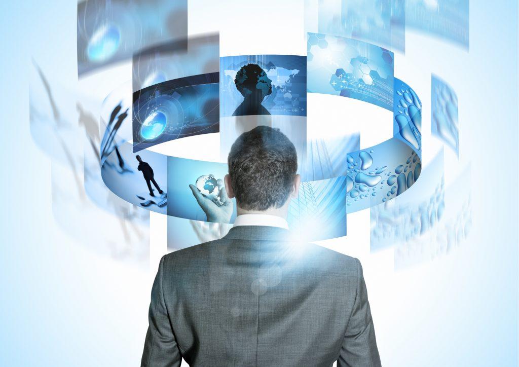MIT: Razvoj poslovnih rešitev po naročilu